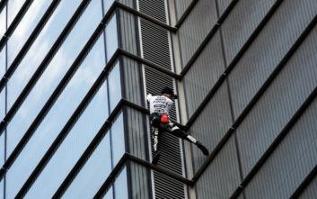 Άνθρωπος-αράχνη αναρριχήθηκε με γυμνά χέρια στον ψηλότερο ουρανοξύστη του Λονδίνου