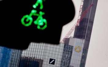 Η Deutsche Bank προχωρά σε αναδιάρθρωση και περικόπτει έως 20.000 θέσεις εργασίας