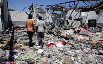 Φρουροί πυροβολούσαν μετανάστες που προσπαθούσαν να γλιτώσουν από βομβαρδισμό