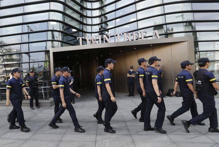 Νοτιοκορεάτης αυτοπυρπολήθηκε μπροστά από την πρεσβεία της Ιαπωνίας στη Σεούλ