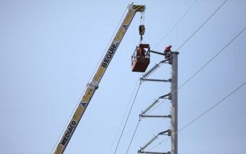 Πτώση ελικοπτέρου: Αποκαθίσταται σταδιακά η ηλεκτροδότηση στον Πόρο