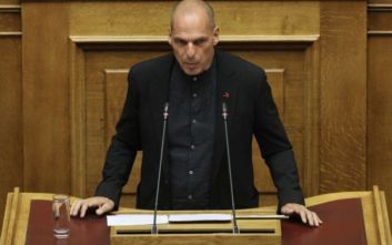 Γιάννης Βαρουφάκης: Ιδίως την τελευταία τετραετία, οι πολίτες παρακολουθούν μια φαρσοκωμωδία