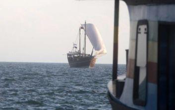 «Έδεσε» στη Θεσσαλονίκη το ξύλινο σκάφος του Κατάρ που προωθεί το Μουντιάλ του 2022