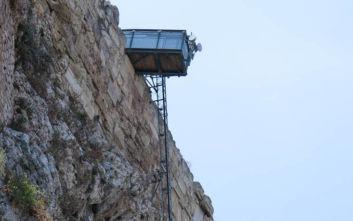 Βουλή: Βουλευτές του ΣΥΡΙΖΑ ζητούν να μάθουν τα πάντα για τονανελκυστήρα ΑμεΑ στην Ακρόπολη