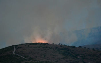 Φωτιά στην Εύβοια: Νέο πύρινο μέτωπο στην περιοχή Τραχήλι
