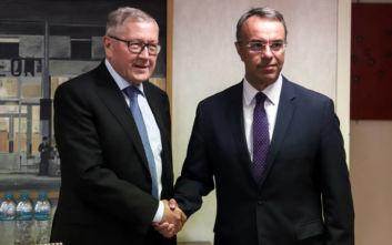 Συνάντηση Ρέγκλινγκ-Σταϊκούρα: Οι δεσμεύσεις της Ελλάδας και η κατάσταση της οικονομίας στο επίκεντρο