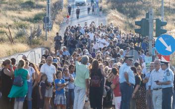 Η σιωπηλή πορεία μνήμης για τα 102 θύματα στο Μάτι