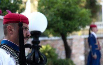 O πολιτικός που περπατούσε με ύφος «χιλίων Καρδιναλίων» στο Προεδρικό Μέγαρο