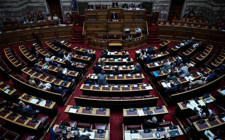 Πέρασε από τη Βουλή το φορολογικό νομοσχέδιο