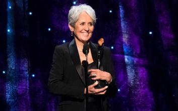 Η Τζόαν Μπαέζ αποχαιρέτισε την 59χρονη καριέρα της με την τελευταία της συναυλία στη Μαδρίτη