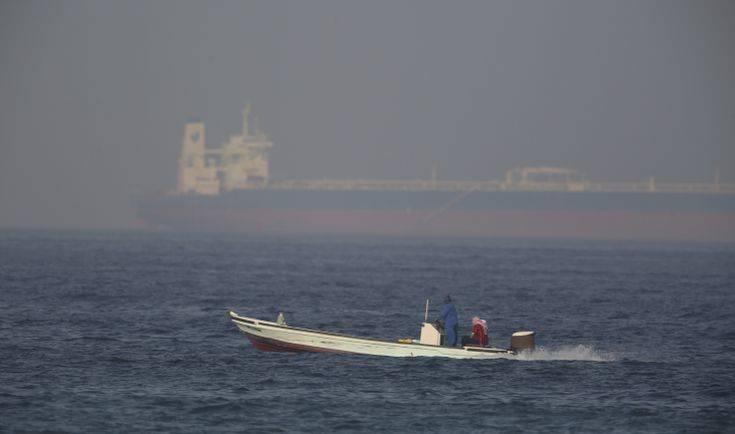 Ιράν: Συνελήφθη ξένο δεξαμενόπλοιο με λαθραίο πετρέλαιο στο Στενό του Χορμούζ