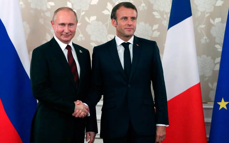 Μακρόν και Πούτιν θέλουν να «διασώσουν» τη συμφωνία για τα πυρηνικά με το Ιράν