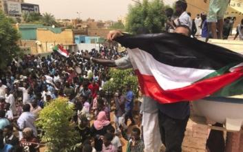 Τουλάχιστον επτά νεκροί και 181 τραυματίες στις ογκώδεις διαδηλώσεις στο Σουδάν