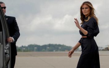 Έκαναν άγαλμα τη Μελάνια Τραμπ στην πατρίδα της, αλλά το αποτέλεσμα δεν είναι για βραβείο