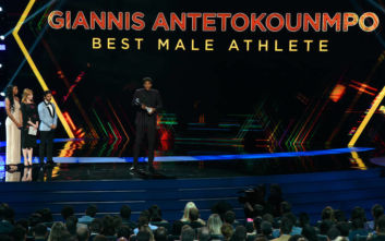 Γιάννης Αντετοκούνμπο: Κορυφαίος άνδρας αθλητής στις ΗΠΑ