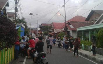 Μία νεκρή από τον ισχυρό σεισμό των 7,3 Ρίχτερ στην Ινδονησία