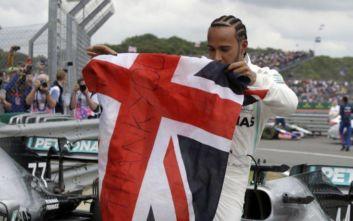 Formula 1: Θρίαμβος Χάμιλτον μέσα στο «σπίτι» του, στο Σίλβερστοουν