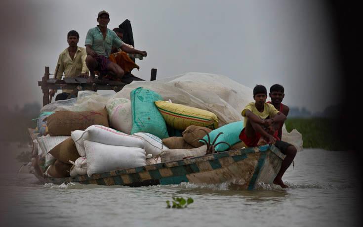 Φονικοί μουσώνες στη νότια Ασία με τουλάχιστον 180 νεκρούς