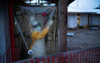 Έμπολα: Πώς μεταδίδεται ο ιός, ποια τα συμπτώματα, τρόποι προφύλαξης