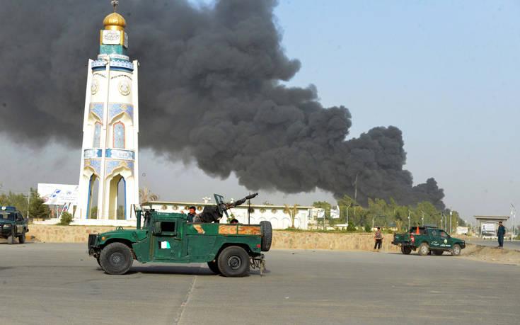 Τουλάχιστον 12 νεκροί και 80 τραυματίες σε επίθεση των Ταλιμπάν στο Αφγανιστάν
