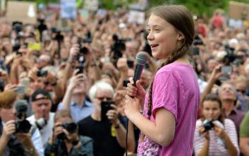 Γκρέτα Τούνμπεργκ και «The 1975» καλούν σε «πολιτική ανυπακοή»