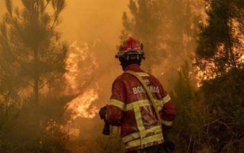 Στο έλεος των πυρκαγιών η Πορτογαλία, αναζωπυρώθηκαν οι εστίες λόγω των ανέμων