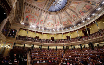 Απώλεια εδρών για τους Σοσιαλιστές στην Ισπανία δείχνει δημοσκόπηση