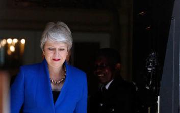 Τερέζα Μέι: Συγκινημένη στην τελευταία «ώρα του Πρωθυπουργού» τίμησε τον άντρα της