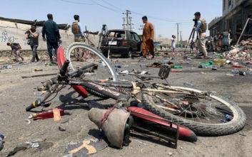 Νέο χτύπημα στο Αφγανιστάν, ανατινάχτηκε λεωφορείο με οικογένεια που πήγαινε σε γάμο