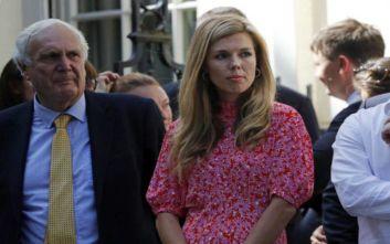 Κάρι Σίμοντς: Ποια είναι σύντροφος του νέου Βρετανού πρωθυπουργού