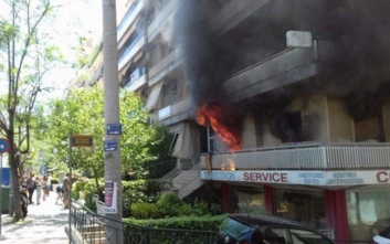 Φωτιά ξέσπασε σε διαμέρισμα στη Νέα Σμύρνη