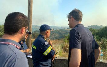Φωτιά στην Εύβοια: Στο χωριό Γαβαλάς ο Κώστας Μπακογιάννης