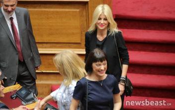 Ορκωμοσία στη Βουλή: Οι εντυπωσιακές κυρίες που κέρδισαν πόντους με το στυλ τους