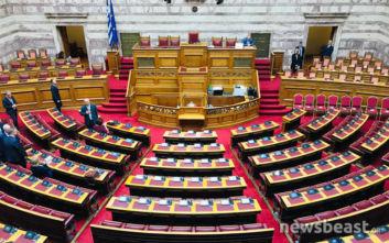 Πρεμιέρα για τη νέα Βουλή, ορκίζονται οι βουλευτές