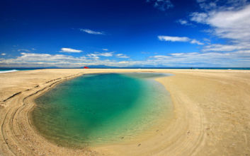 Η ιδιαίτερη και μαγευτική παραλία της Χαλκιδικής