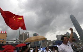 Μεγάλη διαδήλωση υποστήριξης της αστυνομίας του Χονγκ Κονγκ