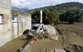Εικόνες από τις ζημιές σε Ναύπακτο και Αντίρριο από τη νυχτερινή νεροποντή