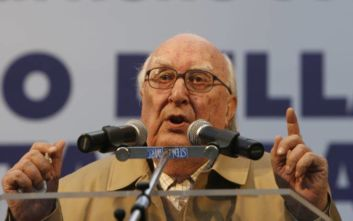 Έφυγε από τη ζωή στα 93 του χρόνια ο «πατέρας» του Επιθεωρητή Μονταλμπάνο Αντρέα Καμιλλέρι