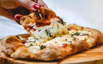 Τρεις προτάσεις για νόστιμη πίτσα στο χέρι