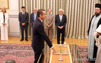 Καρέ καρέ η ορκωμοσία του Κυριάκου Μητσοτάκη στο Προεδρικό