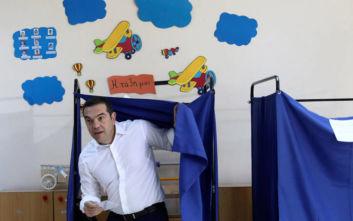 New York Times: Οι Έλληνες είναι έτοιμοι να τιμωρήσουν έναν άνθρωπο, τον Αλέξη Τσίπρα