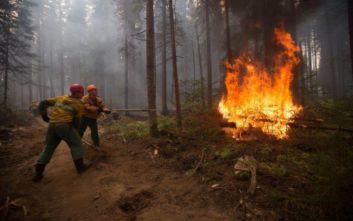Και ο ρωσικός στρατός στη μάχη για την κατάσβεση των πυρκαγιών στη Σιβηρία