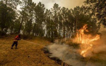Οι πυροσβέστες στην Πορτογαλία ελπίζουν να κατασβέσουν τις πυρκαγιές σήμερα