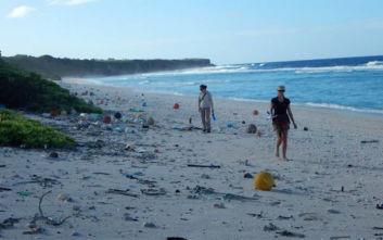 Το περιβαλλοντικό διαμάντι του Ειρηνικού που έχει μετατραπεί σε χωματερή πλαστικών