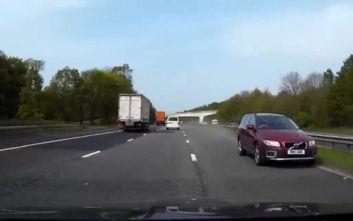 Βίντεο με οδηγό να πηγαίνει ανάποδα σε αυτοκινητόδρομο