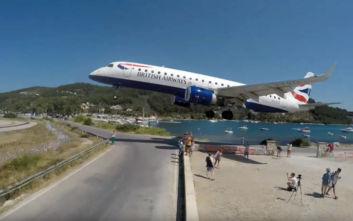 Βίντεο με απίθανη προσγείωση αεροπλάνου