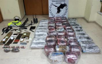 Συνελήφθησαν την ώρα που μετέφεραν πάνω από 115 κιλά κάνναβης στην Τουρκία