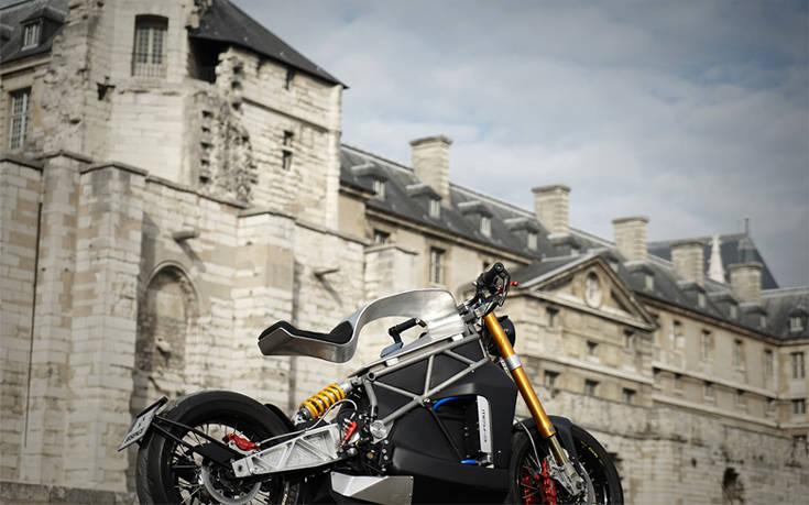 Εκεί που η μοτοσικλέτα μετατρέπεται σε μεταλλικό γλυπτό – Newsbeast