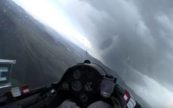 Καταιγίδες και αστραπές μέσα από αεροπλάνα