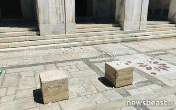 Ισχυρός σεισμός στην Αττική: Έπεσε παλιό κτίριο στην οδό Ερμού